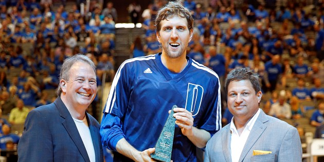 Dirk Nowitzki named winner of the 2013-14 Magic Johnson Award